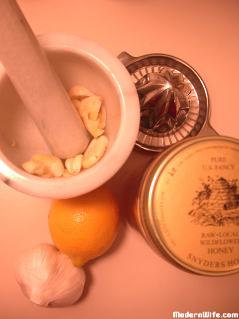ingredients for lemon garlic tea